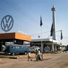 Volkswagen in Pekan Raya Jakarta back in Awsome Pictures, Old Pictures, Old Photos, Volkswagen, Old Commercials, Dutch East Indies, City Aesthetic, History Photos, City Photography