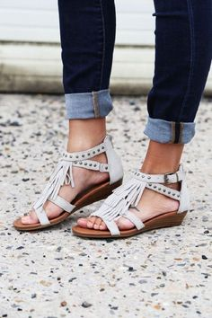 You think fringe trims are only for cowboys? You can conquer the summer without horses or cowboy hats. Just walk around freely and comfortably with these sandals on.