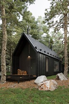 Shed Homes, Cabin Homes, Timber Frame Cabin, Shed House Plans, Tiny House Exterior, Cabin In The Woods, Tiny House Cabin, Farm House, Architecture Visualization
