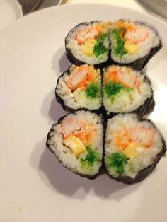How to Make Japanese Maki Sushi With Tamago Yaki (Egg) ❤ by Goi Haru Sushi Recipes, Egg Recipes, Asian Recipes, Ethnic Recipes, Free Recipes, Butter Roll Recipe, Japanese Sushi, Sushi Rolls