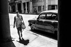 BLANCA Y NEGRA – STREET PHOTOGRAPHY FROM HAVANA