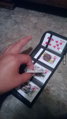 Just found these throwing knives that look like playing cards. Just like Gambit! Cool Knives, Knives And Swords, Pretty Knives, Hidden Weapons, Hidden Knives, Ninja, Knife Throwing, Knife Stand, Tactical Pocket Knife