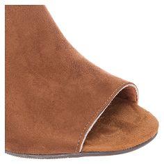 Zuecos Z1857-12621 Basement - Falabella.com Heeled Mules, Basement, Heels, Fashion, Clogs, Over Knee Socks, Zapatos, Root Cellar, Moda