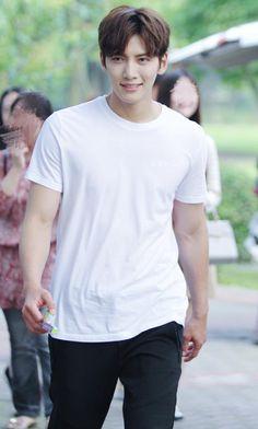 ❤❤ 지 창 욱 Ji Chang Wook ♡♡ that handsome and sexy look . Ji Chang Wook Smile, Ji Chang Wook Healer, Ji Chan Wook, Ji Chang Wook Abs, Park Hyun Sik, Lee Jong Suk, Korean Star, Korean Men, Asian Actors