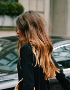 The perfect hair color, right? — An Aesthetic Pursuit Style. Blunt ends Messy Hairstyles, Pretty Hairstyles, Bridal Hairstyles, Looks Pinterest, Face Hair, Great Hair, Hair Day, Gorgeous Hair, Amazing Hair