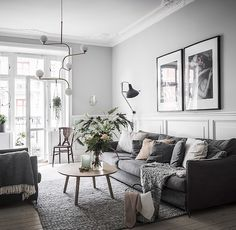 Having small living room can be one of all your problem about decoration home. To solve that, you will create the illusion of a larger space and painting your small living room with bright colors c… Small Living Room Ideas With Tv, Small Living Rooms, Living Room Designs, Modern Living, Living Room Grey, Living Room Interior, Living Room Decor, Cozy Living, Apartment Design