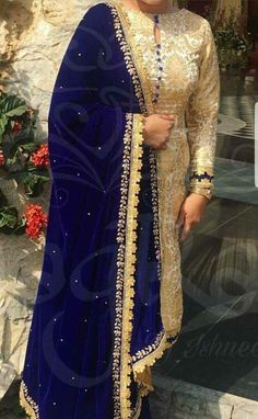 21 New Ideas Dress Designer Wedding Pakistani Neck Designs For Suits, Kurti Neck Designs, Dress Neck Designs, Kurti Designs Party Wear, Blouse Designs, Velvet Dress Designs, Pakistani Dress Design, Pakistani Outfits, Indian Outfits