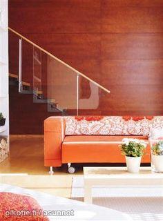 Orange couch / Oranssi sohva