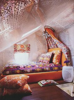 Bedroom , Artistic and Stunning Classical Gypsy Decor Bedroom Ideas : Trendy Looking Gypsy Decor Bedroom Ideas