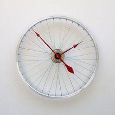 bicycle tire clock loooove it