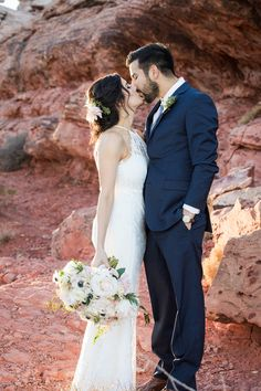 Las Vegas Wedding Elopements Offers Couples The Luxury Of An All Inclusive Package Intimate Weddings At Unique Desert Venues