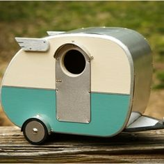 The Vintage Camper Birdhouse was inspired by the Shasta campers of the 1950s.