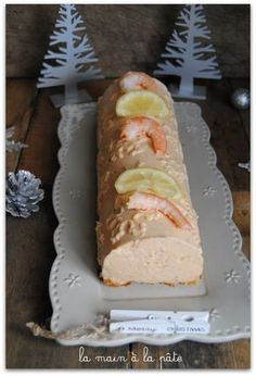 Salmon and shrimp log - Hand in hand - Salmon and shrimp log – Hand in hand - Whole30 Fish Recipes, Easy Fish Recipes, Dessert Simple, Seafood Appetizers, Seafood Recipes, Easy Desserts, Dessert Recipes, Salmon And Shrimp, Gastronomia