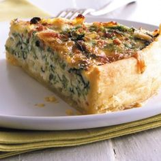 Wirsing-Quiche Rezept - Rezepte: Tarte & Quiche - herzhaft & süß - Wirsing-Quiche: Rezept You are in the right place about pizza dough recipe easy Here we offer you t - Quiche Recipes, Pastry Recipes, Tart Recipes, Pizza Recipes, Dinner Recipes, Yummy Recipes, Quiches, Savoy Cabbage, Chocolate Recipes