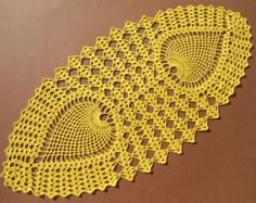 Tapete de ganchillo hecho a mano color - blanco 100% - algodón tamaño - (27 x 11 pulgadas) (70 cm. x 28cm. )