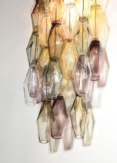 Grande paire d'appliques polyèdres moderne en verre de Murano – Danke Galerie Appliques, Table Lamp, Home Decor, Murano Glass, Light Fixture, Modern, Thanks, Riveting, Table Lamps