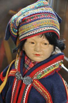 Rønnaug Petterssen - dukkekunstner med samiske røtter