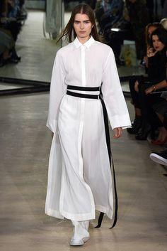 2016春夏プレタポルテコレクション - ジョゼフ(JOSEPH)ランウェイ|コレクション(ファッションショー)|VOGUE JAPAN