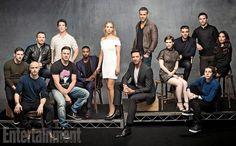 HQ portrait of the casts of X-Men, Deadpool and Fantastic Four at Comic Con Xmen Apocalypse, Apocalypse Cast, Ryan Reynolds, Fantastic Four Cast, X Men, It Movie Cast, It Cast, Gambit Movie, Group Photo Poses