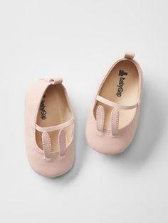 More and More Pin  Shoes Vestiti Per Bebè Femmina f8ff670e48d