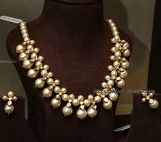 South Pearl Choker by Mujtab Jewellers Gold Jewellery Design, Bead Jewellery, Beaded Jewelry, Gold Jewelry, Daisy Jewellery, Gold Necklaces, Pearl Jewelry, Real Pearl Necklace, Pearl Choker