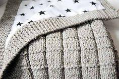 knitting patterns - 4 Stars & Up / Knitting Patterns / Knitting & Crochet: Arts, Crafts & Sewing Knitted Baby Blankets, Baby Blanket Crochet, Crochet Baby, Knit Crochet, Knitting For Kids, Knitting Projects, Baby Knitting, Crochet Projects, Crochet Stitches Patterns