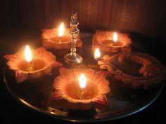 Diwali And Holi, Diwali Diy, Diwali Craft, Diwali Decorations, Festival Decorations, Flower Decorations, Diwali Lights, New Rangoli Designs, Diwali Greetings
