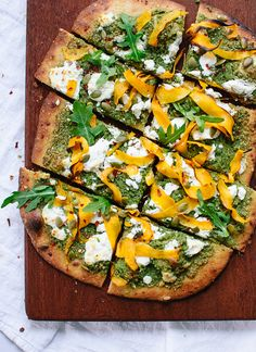 Butternut, arugula pesto and goat cheese pizza