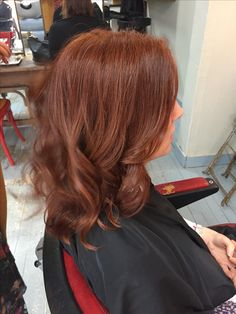 These rose gold auburn balayage really are fabulous. Red Brown Hair, Light Brown Hair, Auburn Balayage, Balayage Hair, Hot Hair Styles, Curly Hair Styles, Down Hairstyles For Long Hair, Long Hair Cut Short, Chestnut Hair