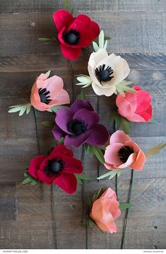 DIY Paper Flowers Free Printable | Photograph and Design by Lia Griffith | https://www.theprettyblog.com/wedding/diy-felt-bouquet/