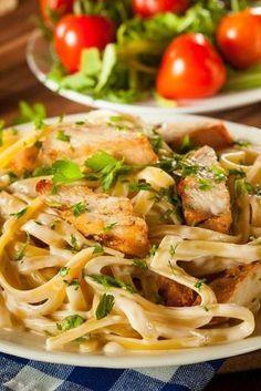"""""""Spaghetti Pollo"""": Pasta with chicken breast in cream sauce- """"Spaghetti Pollo"""": Nudeln mit Hähnchenbrust in Sahnesoße """"Spaghetti Pollo"""": Pasta with chicken breast in … - Shrimp Recipes, Pizza Recipes, Beef Recipes, Salad Recipes, Chicken Recipes, Dinner Recipes, Cream Sauce For Chicken, Creamy Chicken, Chicken Pasta"""