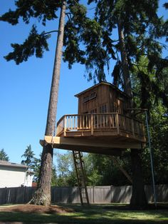 50 Kids Treehouse Designs - I absolutely love these. This one is perfect for a backyard with no trees!