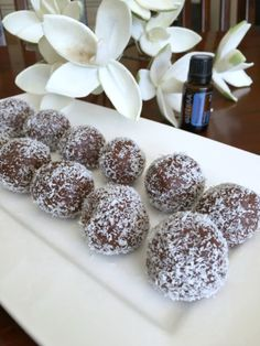 Raw choc peppermint bliss balls using doTERRA Peppermint essential oil. Raw, vegan and gluten-free. A healthy treat to satisfy your sweet tooth! Peppermint Bliss, Doterra Peppermint, Raw Desserts, Delicious Desserts, Yummy Food, Tasty, Raw Food Recipes, Sweet Recipes, Snack Recipes