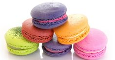 These french macarons are just so lovely, they come in any color, I'm sure they'll melt in the mouth. Meringue, Homemade Squishies, French Cookies, Melting In The Mouth, Good Enough To Eat, Eat Dessert First, Pavlova, Macaroons, I Foods
