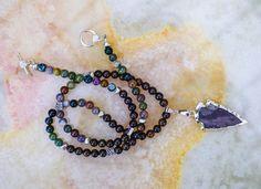 Mira este artículo en mi tienda de Etsy: https://www.etsy.com/listing/384359696/bronzite-necklacefancy-jasper