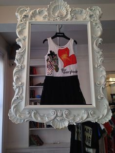 DIY Craft / Market / Retail display for clothing or anything else that fits in a frame!: