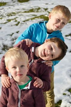 siblings photo idea