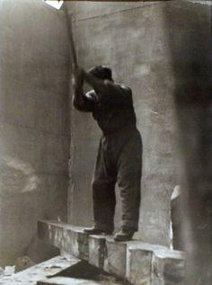 Constantin Brancusi -Self Portrait, Courtesy Bruce Silverstein Gallery Constantin Brancusi, Modern Sculpture, Famous Artists, Art Studios, Artist At Work, Les Oeuvres, Art History, Make Art, Selfies