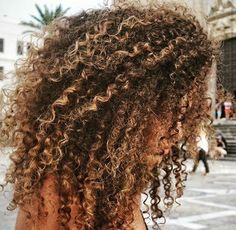 I n s t a g r a m coiffure hair, afro hair blonde, blonde highlights curly hair, blonde Afro Hair Blonde, Blonde Highlights Curly Hair, Dyed Curly Hair, Curly Hair Styles, Brown Curly Hair, Front Hair Styles, Colored Curly Hair, Natural Hair Styles, Natural Hair Highlights