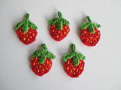 Applikation Erdbeere von Hand und Herz auf DaWanda.com