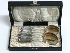 6 Jugendstil Kaffeelöffel Silber 800er mit verschiedenen Punzen wie Halbmond und Krone Gewicht 82 Gramm $95.00