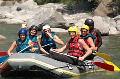 https://flic.kr/p/mXtvuT   Rafting, Hydro, canoé, Canyonning avec Anaconda Rafting   Anaconda Rafting Ubaye est spécialiste des sports d'eau vive en France  Nous sommes installés dans la vallée de l'Ubaye à Barcelonnette, à seulement 2 h 30 de Marseille dans les Alpes du sud en France et nous naviguons sur la rivière du même nom : l'Ubaye.