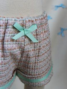Popeline & co - curly wool shorts « Demoiselle » for little girls. pastel colors, pink, light green, white
