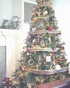 Christmas tree ideas, Christmas tree decorations, Christmas trees decorated, Christmas tree Tree Decorations, Christmas Decorations, Holiday Decor, Days Until Christmas, Christmas Trees, Instagram Posts, Ideas, Home Decor, Homemade Home Decor