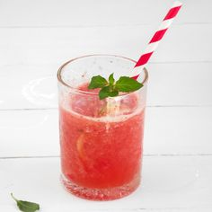 ShopCookMake.com: Strawberry and Pineapple Caipirosca