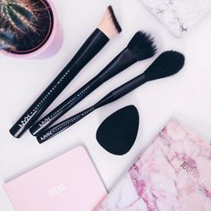 Whether a pro makeup artist or just a beauty lover – NYX Cosmetics artistry line is essential to everyone's brush collection. Regram via 📸 @satansdolly