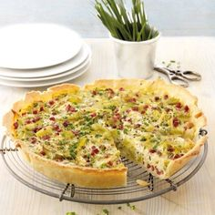 Lauch-Käse-Quiche mit Schinken Leek cheese quiche with ham recipes Petit Déjeuner Weight Watcher, Plats Weight Watchers, Weight Watchers Breakfast, Weight Watchers Meals, Ham Recipes, Lunch Recipes, Cheese Quiche, Leek Quiche, Frittata