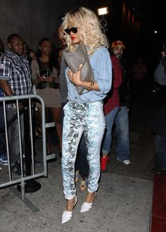Rihanna Photo - Rihanna At The Las Palmas Nightclub In Hollywood