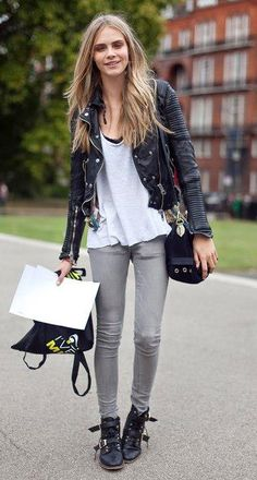 Cara Delevingne street style - Photo 4 | Celebrity news in hellomagazine.com