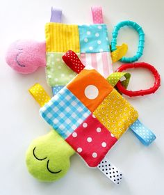 Baby Sewing Projects, Sewing For Kids, Sewing Toys, Sewing Crafts, Baby Patterns, Sewing Patterns, Fabric Toys, Softies, Baby Crafts